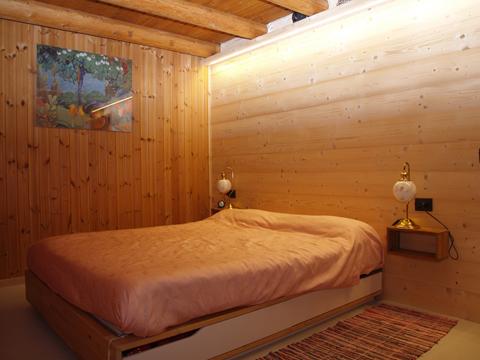 Bilder von Comer See Ferienhaus Cavilla_Villa_di_Tirano_40_Doppelbett-Schlafzimmer