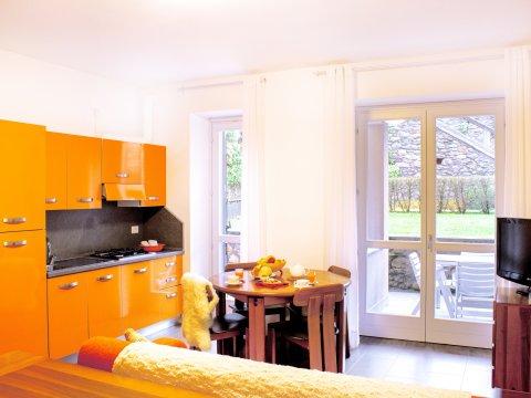 Bilder von Lago di Como Appartamento Cedro_101__Domaso_30_Wohnraum