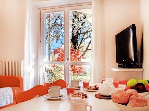 Bilder von Lago di Como Appartamento Cedro_103_Domaso_30_Wohnraum