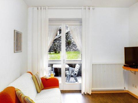 Bilder von Lake Como Apartment Cedro_104_Domaso_30_Wohnraum