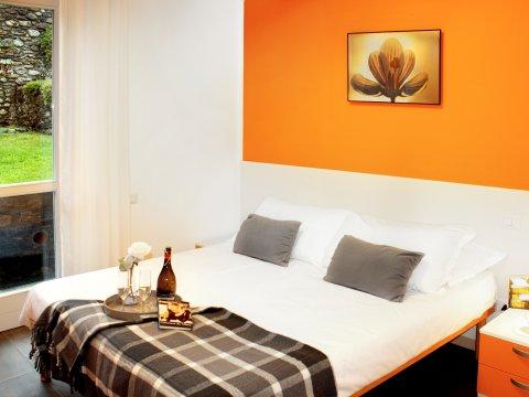 Bilder von Lake Como Apartment Cedro_104_Domaso_40_Doppelbett-Schlafzimmer