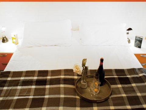 Bilder von Lake Como Apartment Cedro_207_Domaso_41_Doppelbett