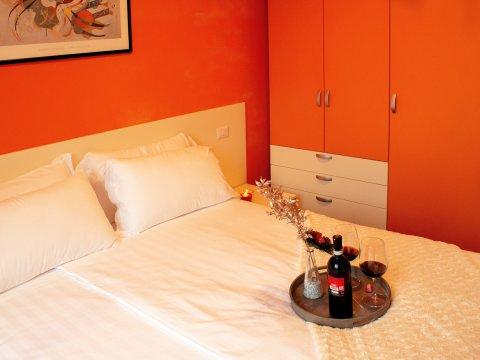 Bilder von Lake Como Apartment Cedro_310_Domaso_41_Doppelbett