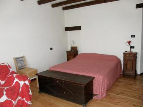 Bilder von Lago Maggiore Rustico Chiara_537_Bassano-Tronzano_40_Doppelbett-Schlafzimmer