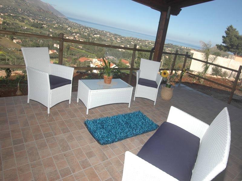 Bilder von Sizilien Nordküste Ferienhaus Clarissa_Castellammare_del_Golfo_11_Terrasse