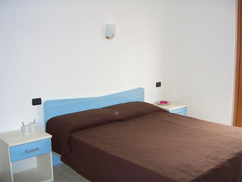 Bilder von Lake Como Apartment Colombo_Gravedona_Trilocale_p1_Sorico_45_Schlafraum
