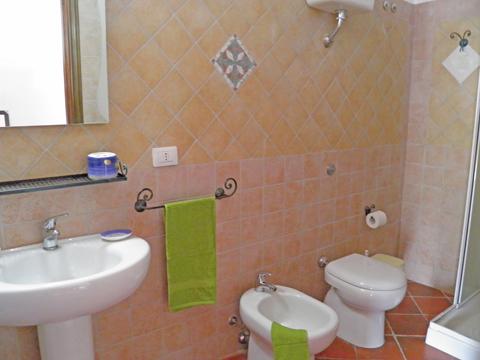 Bilder von Sardaigne Côte sud Appartement Corte_Vittoria_Mirto_Pula_50_Bad