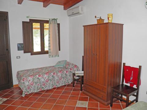 Bilder von Sardinien Südküste Ferienwohnung Corte_Vittoria_Ulivo_Pula_45_Schlafraum