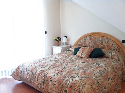 Bilder von Comer See Ferienwohnung Cristina_Pianello_del_Lario_40_Doppelbett-Schlafzimmer