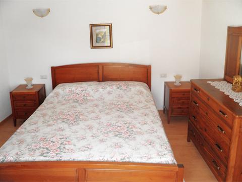 Bilder von Comer See Ferienwohnung Dalida_Gravedona_40_Doppelbett-Schlafzimmer