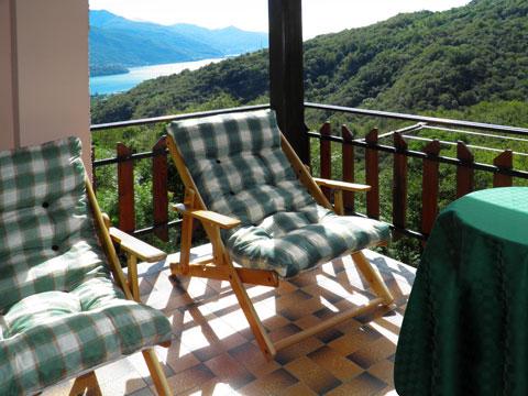 Bilder von Comer See Ferienwohnung Dalida_Secondo_Gravedona_10_Balkon