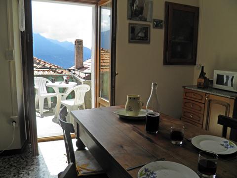Bilder von Comer See Ferienhaus Dina_Rezzonico_10_Balkon