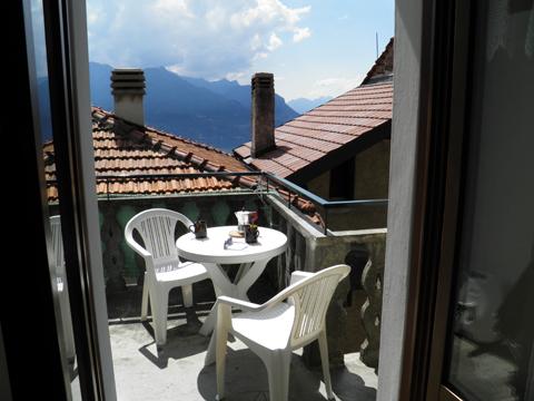 Bilder von Comer See Ferienhaus Dina_Rezzonico_11_Terrasse