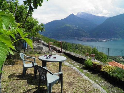 Bilder von Comer See Ferienhaus Dina_Rezzonico_20_Garten