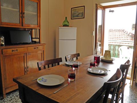Bilder von Comer See Ferienhaus Dina_Rezzonico_31_Wohnraum
