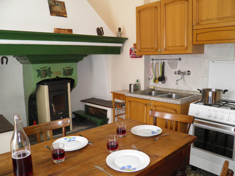 Bilder von Comer See Ferienhaus Dina_Rezzonico_35_Kueche