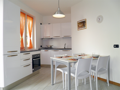 Bilder von Comer See Ferienwohnung Giardino_Primo_Colico_35_Kueche