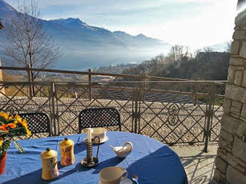 Bilder von Comer See Ferienwohnung Giglio_Giallo_Gravedona_10_Balkon