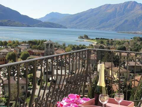 Bilder von Comer See Ferienwohnung I_Runchet_Rondine_Sorico_10_Balkon
