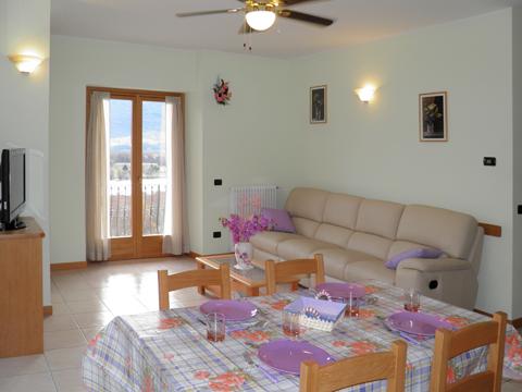 Bilder von Comer See Ferienwohnung I_Runchet_Rondine_Sorico_30_Wohnraum
