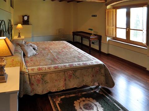 Bilder von Umbria Apartment Il_Borgo_di_Toppo_Castagno_Citta_di_Castello_40_Doppelbett-Schlafzimmer