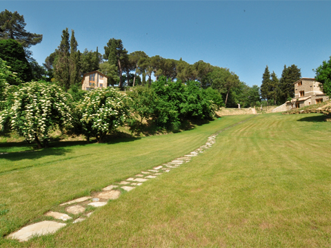 Bilder von Umbrië  Il_Borgo_di_Toppo_Cerro_Citta_di_Castello_20_Garten