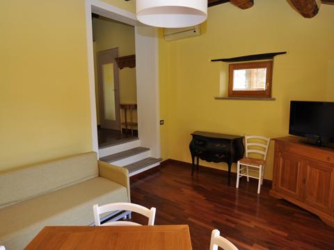 Bilder von Umbrië  Il_Borgo_di_Toppo_Essicatoio_piano_terra_Citta_di_Castello_30_Wohnraum