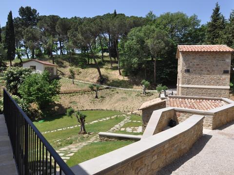 Bilder von Ombrie  Il_Borgo_di_Toppo_Essicatoio_primo_piano_Citta_di_Castello_10_Balkon