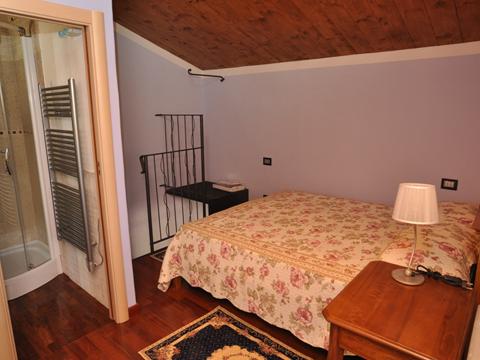 Bilder von Ombrie  Il_Borgo_di_Toppo_Essicatoio_primo_piano_Citta_di_Castello_40_Doppelbett-Schlafzimmer