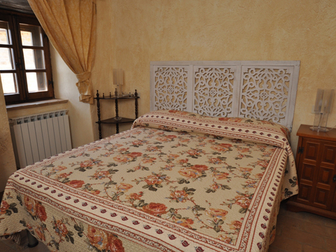 Bilder von Umbrien  Il_Borgo_di_Toppo_Mulino_Citta_di_Castello_40_Doppelbett-Schlafzimmer