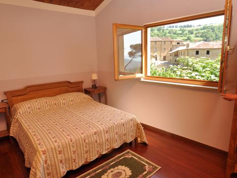 Bilder von Umbrien Ferienwohnung Il_Borgo_di_Toppo_Stalla_Citta_di_Castello_40_Doppelbett-Schlafzimmer