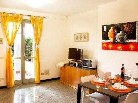 Bilder von Lago di Como Appartamento Il_Bosso_102_Domaso_31_Wohnraum