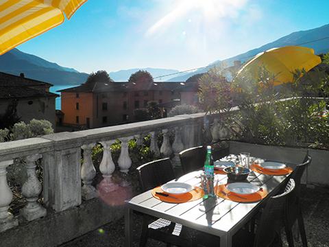 Bilder von Lago di Como Appartamento Il_Bosso_203_Domaso_11_Terrasse