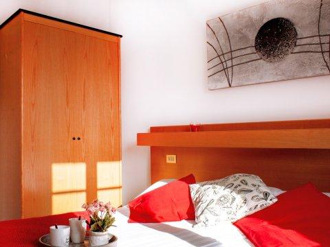 Bilder von Comomeer Appartement Il_Bosso_306_Domaso_41_Doppelbett
