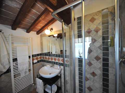 Bilder von Umbria Appartamento Il_Ciliegio_Citerna_50_Bad