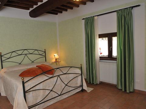 Bilder von Ombrie Appartement Il_Pero_Citerna_40_Doppelbett-Schlafzimmer