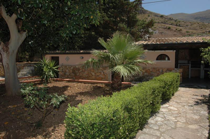 Bilder von Sicilia Costa Nord Villa Isa_Castellammare_del_Golfo_20_Garten