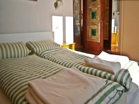 Bilder von Lago Maggiore Appartamento Josefa_Secondo_3780_Verbania_40_Doppelbett-Schlafzimmer