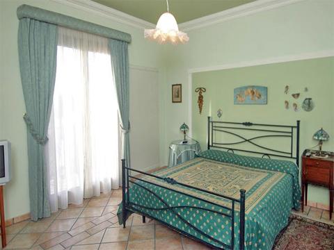 Bilder von Sizilien Nordküste Villa Karola_Fashion_32__40_Doppelbett-Schlafzimmer
