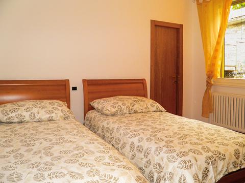 Bilder von Lago di Como Appartamento La_Baia_Cremia_45_Schlafraum