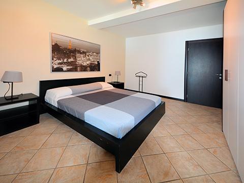 Bilder von Comer See Ferienwohnung Larianella_Vercana_40_Doppelbett-Schlafzimmer