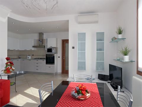 Bilder von Lago di Como Appartamento Lilli_Dervio_31_Wohnraum
