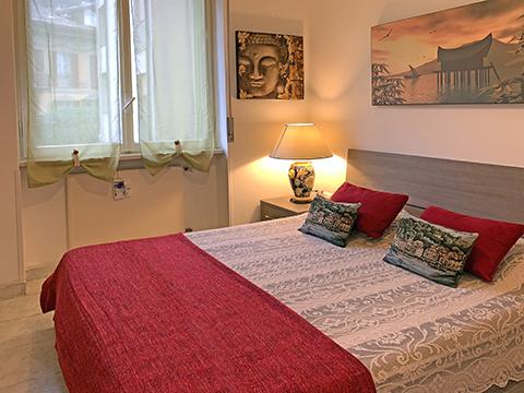 Bilder von Comer See Ferienwohnung Linda_Como_40_Doppelbett-Schlafzimmer