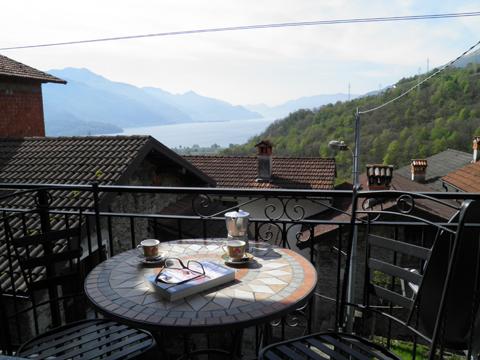 Bilder von Comer See Ferienhaus Loredana_Gravedona_10_Balkon