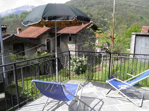 Bilder von Comer See Ferienhaus Loredana_Gravedona_11_Terrasse