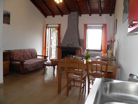Bilder von Comer See Ferienhaus Loredana_Gravedona_30_Wohnraum