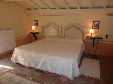 Bilder von Adria Ferienhaus Maria_Laura_Apecchio_40_Doppelbett-Schlafzimmer