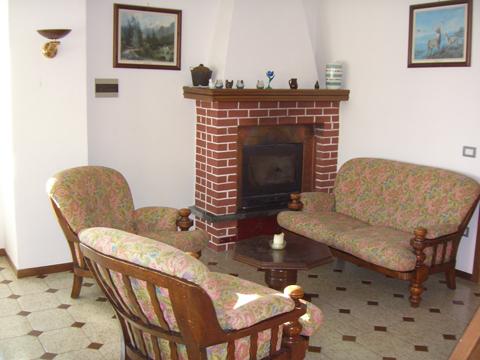 Bilder von Comer See Ferienhaus Maria_Sorico_31_Wohnraum