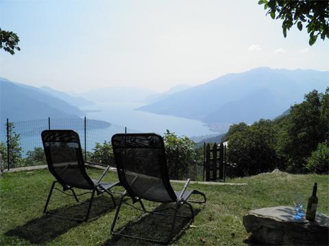 Bilder von Comer See Ferienwohnung Melissa_Primo_Vercana_20_Garten