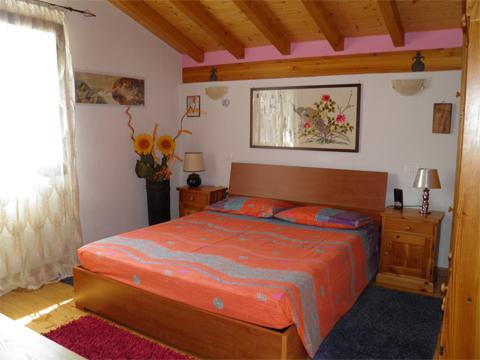 Bilder von Comer See Ferienwohnung Melissa_Primo_Vercana_40_Doppelbett-Schlafzimmer
